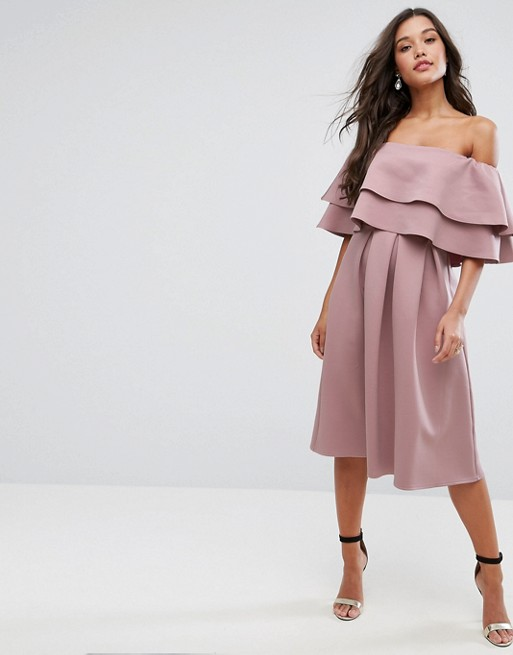 This Summer, Upgrade Your Style Wearing Off-Shoulder Dress